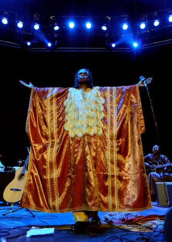 BaabaMaal2 The melodious song of longing, Baaba Maal   In Praise of the female voice