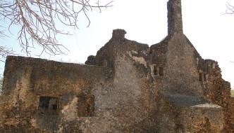 800px-Takwa_Ruins_Mosque_2011